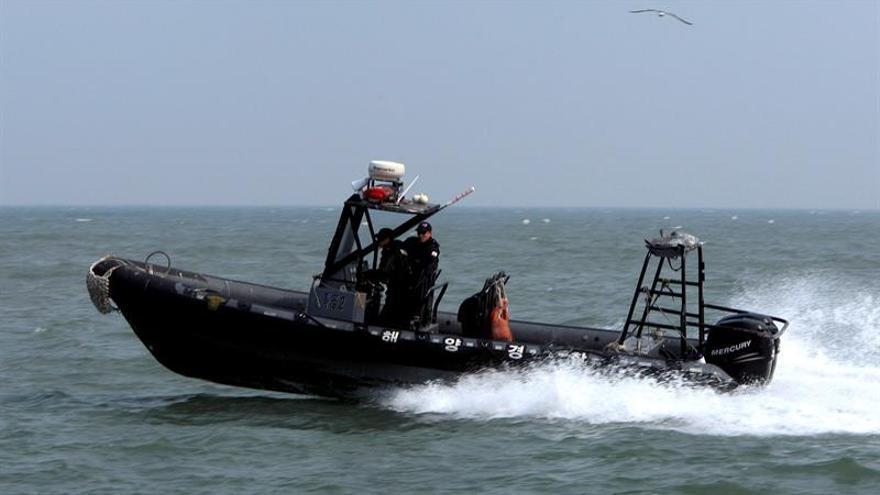 Corea del Sur repatría a pescadores norcoreanos hallados a la deriva