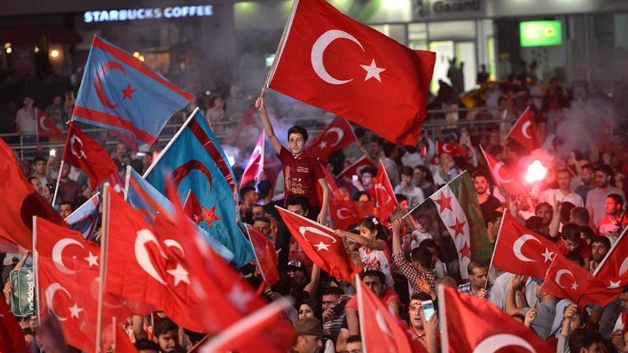 La Fiscalía turca ordena detener a más de 160 personas por vínculos golpistas
