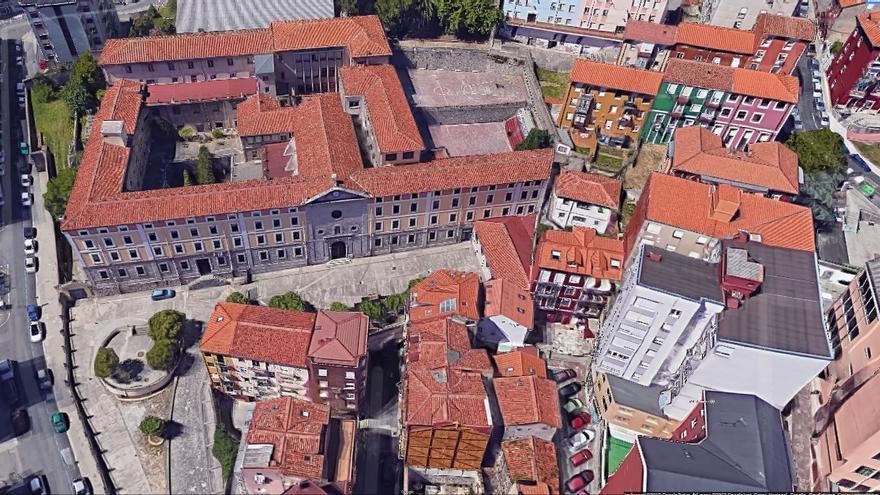 Imagen aérea del colegio concertado La Enseñanza en Santander.