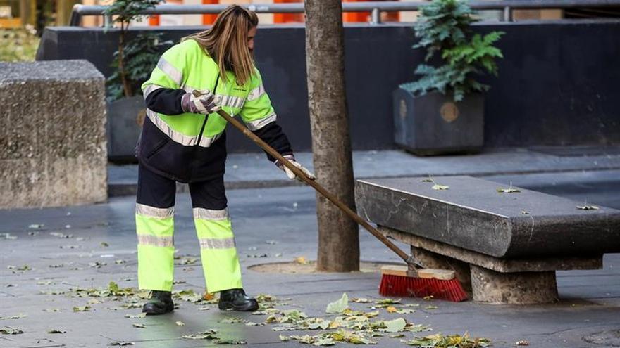 Los años de precariedad laboral de los españoles crece desde hace tres décadas