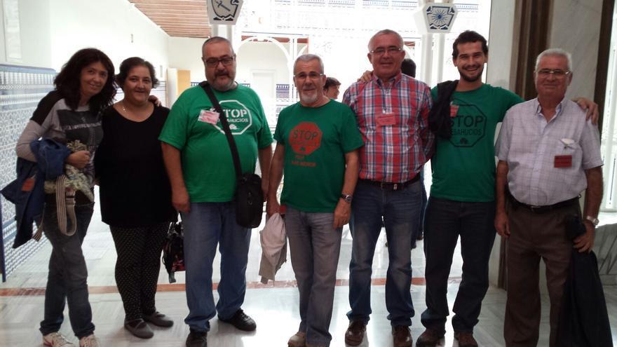 Miembros de las PAH's de Murcia y Cataluña en la Asamblea Regional