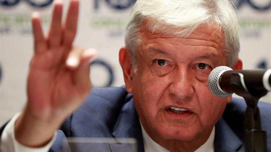 López Obrador promete detonar crecimiento tras reunión con industriales