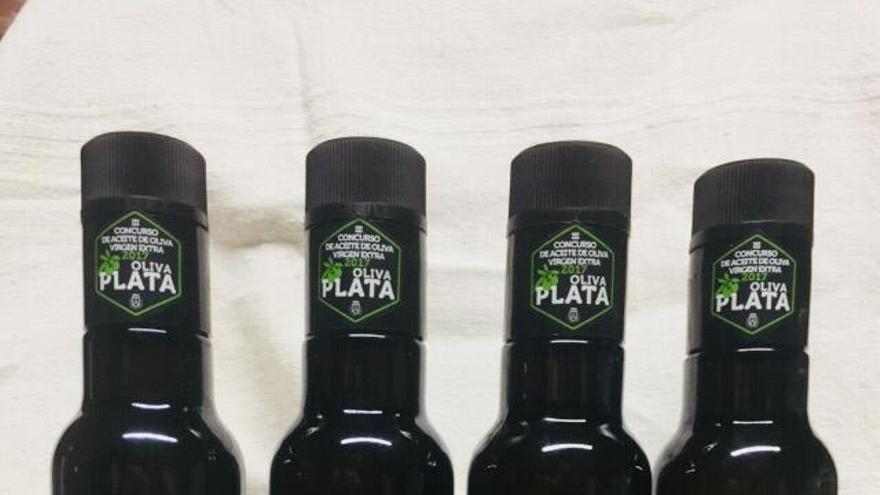 Botellas de aceite de 'Palmaoliva'.