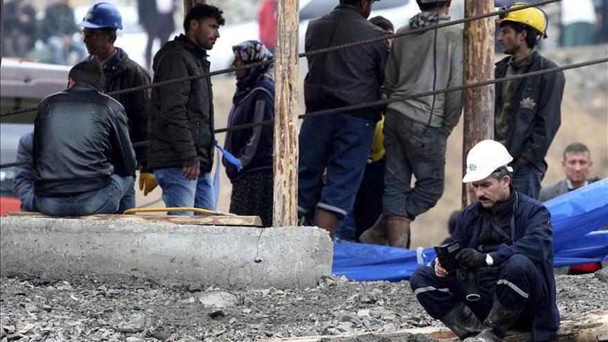Recuperados dos cuerpos más de la mina turca inundada hace un mes