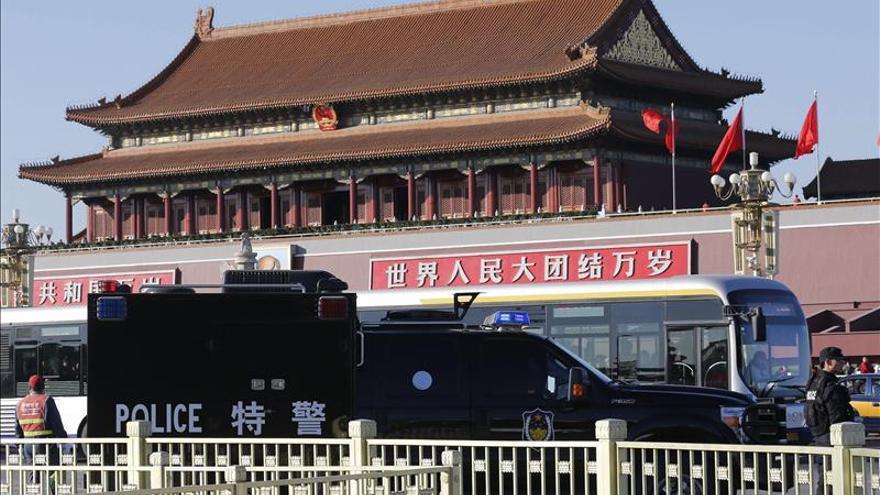 Destituido el jefe militar de Xinjiang tras el atentado en Pekín