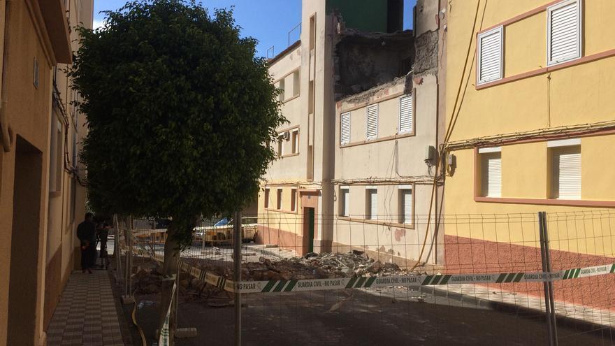 Fachada de la vivienda de Agüimes tras la explosión.