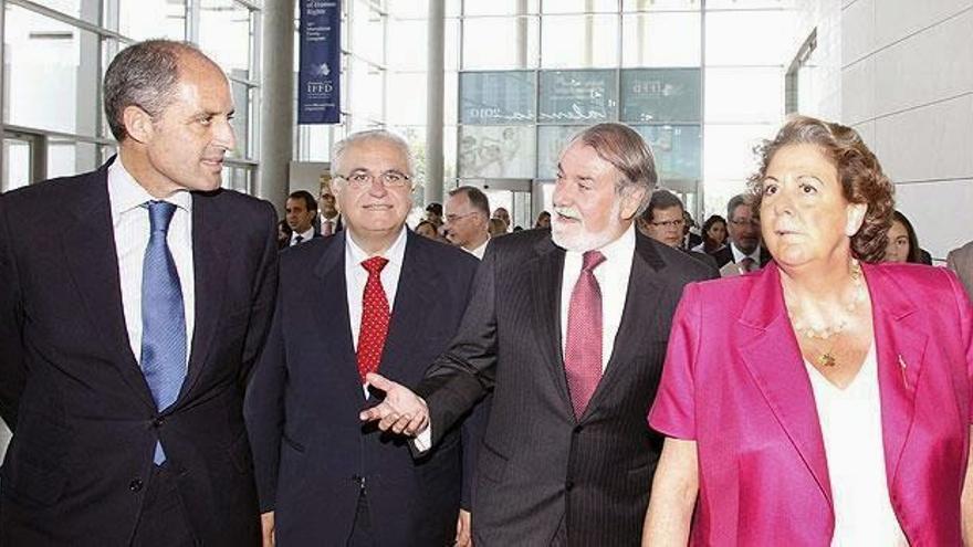 Francisco Camps, Juan Cotino, Jaime Mayor Oreja y Rita Barberá en Valencia.