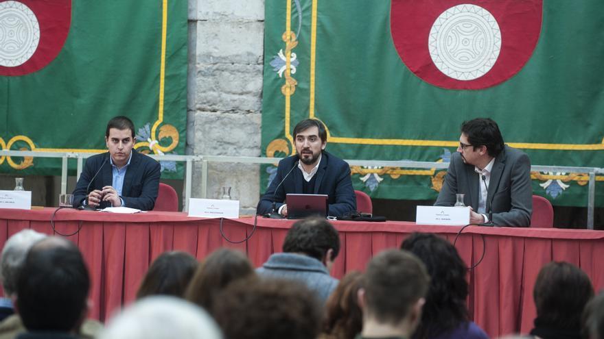 De izquierda a derecha, Laro García, Ignacio Escolar e Igor Marín.