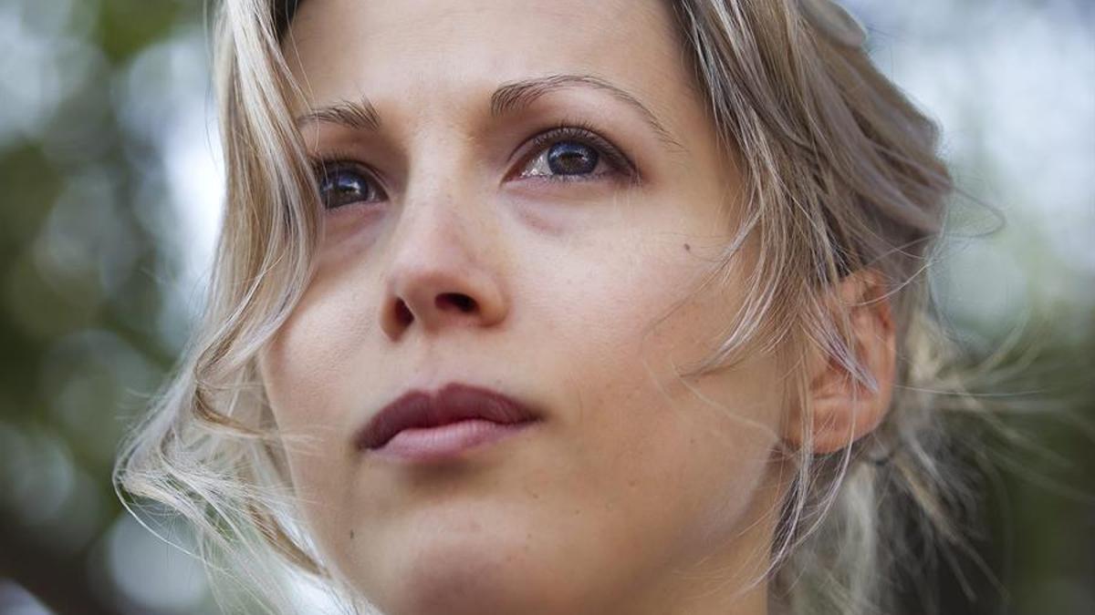 La periodista y escritora francesa Tristane Banon en una marcha en solidaridad con víctimas de violación cerca del Palacio de Justicia en París en septiembre de 2011.