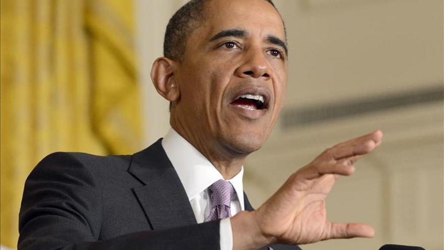 Obama defiende su reforma sanitaria y advierte contra la desinformación