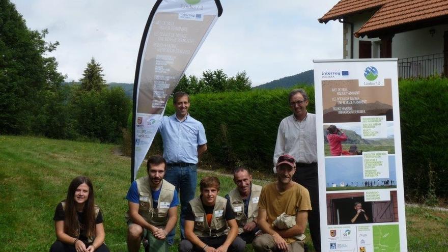 Un total de 70 voluntarios participan en las labores de observación de aves migratorias en el monte Lindus