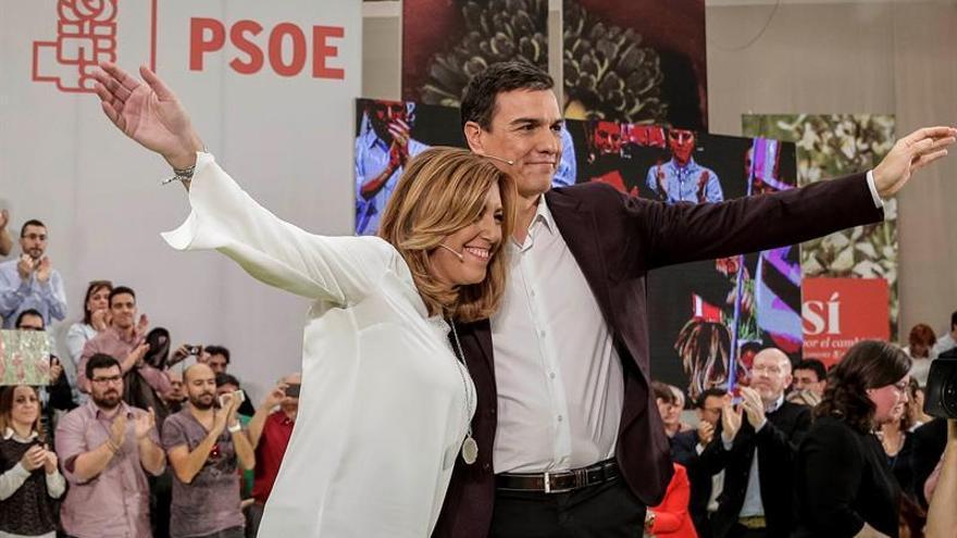 Pedro Sánchez y Susana Díaz en la presentación de la candidatura