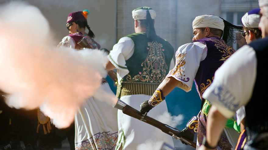 Fiesta Moros y Cristianos en Caudete (Albacete) FOTO: Turismo Castilla-La Mancha