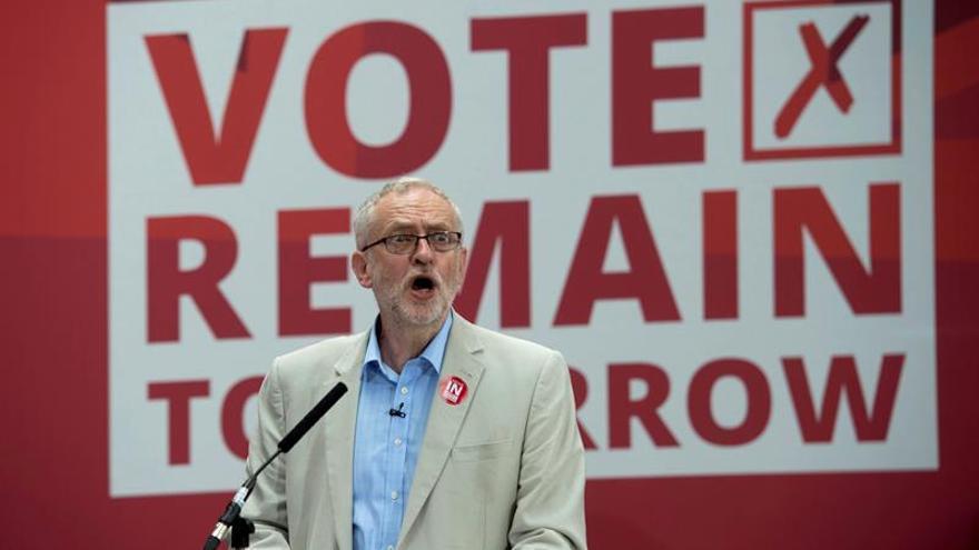 """Corbyn atribuye el """"brexit"""" al descontento con la austeridad"""