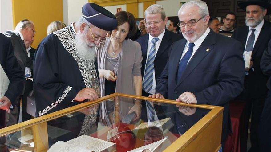 El Gran Rabino Sefardita pide que se detenga el baño de sangre en Siria