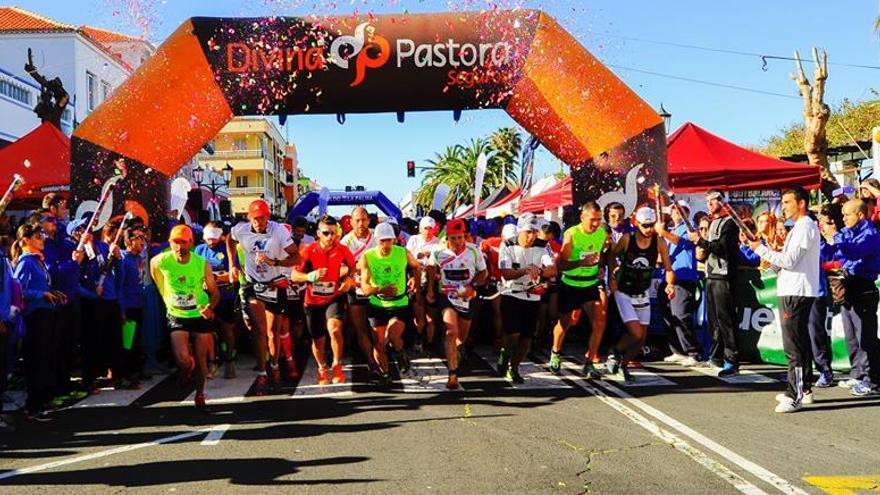 Imagen de archivo de la salida de carrera de 28 kilómetros de la 'Reventón Trail El Paso'.