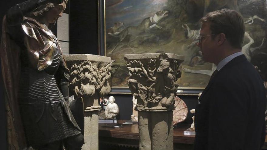 Un Monet, la Biblia de Gutenberg y el único libro de Matisse lucen en Tefaf
