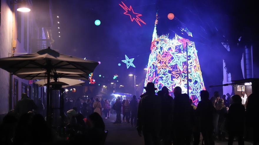 Una Navidad marcada por la COVID con reuniones de seis y confinamiento nocturno