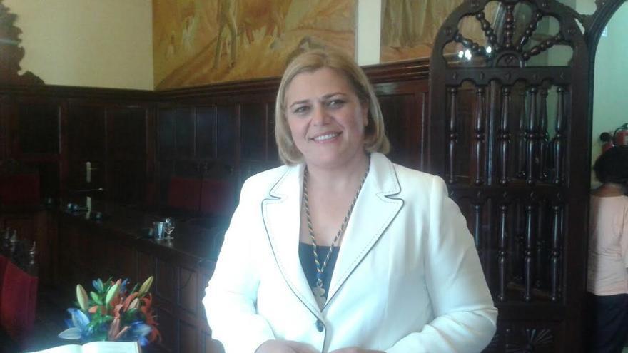 Noelía García, nueva alcadesa de Los Llanos de Aridane, tras el pleno de envestidura.