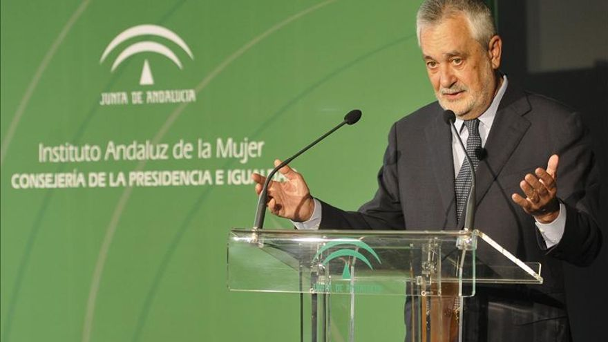 """Griñán dice que Rajoy busca """"poner orden en sus filas"""" en la reunión sobre el déficit"""