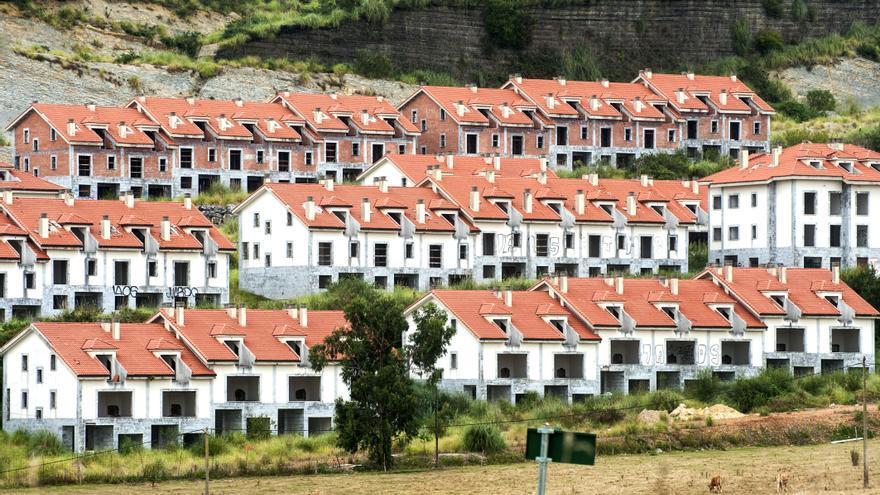 Las 214 viviendas construidas en el Alto del Cuco comenzarán a derribarse este viernes. JOAQUÍN GÓMEZ SASTRE