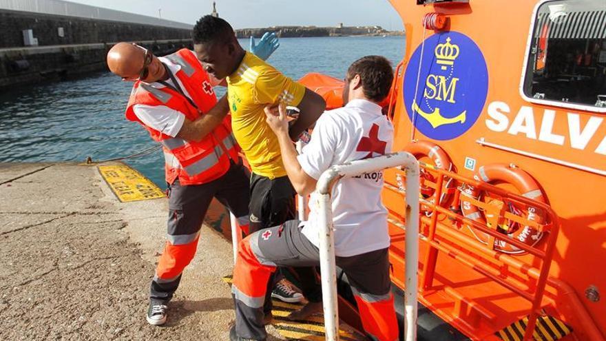 Un total de 36 inmigrantes llegan a las costas gaditanas en cuatro pateras