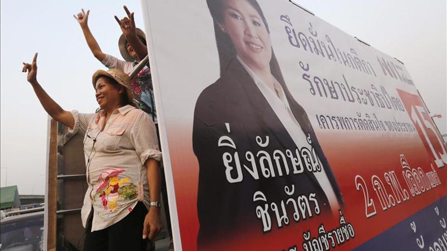 Miles de manifestantes protestan contra las elecciones en Tailandia
