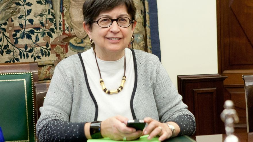 """La veterana diputada del PSC Teresa Cunillera deja el Congreso pidiendo a los que se quedan que """"estén a la altura"""""""