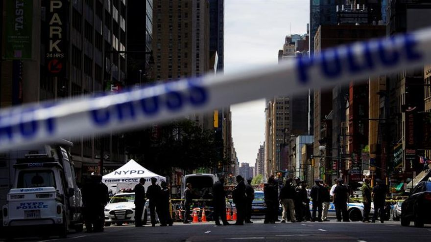 Confirman dos muertos y seis heridos por el tiroteo en el hospital de Nueva York