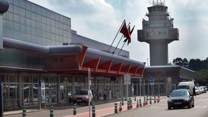 """El PP denuncia que el aeropuerto de Santander es """"el único del Norte"""" en el que disminuyen los viajeros"""
