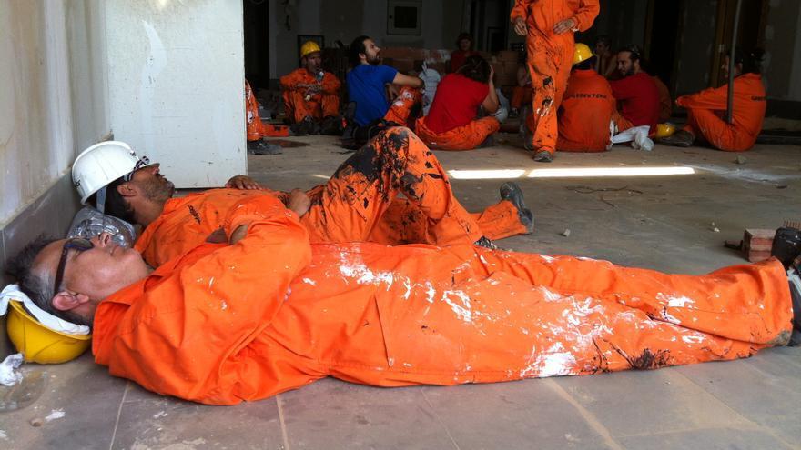 Momento de descanso durante la ocupación de El Algarrobico/ Gabriela Sánchez