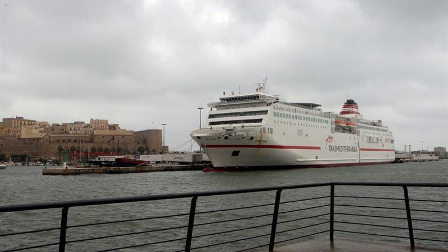 Trasmediterránea refuerza la línea marítima Melilla-Málaga por el día de Reyes