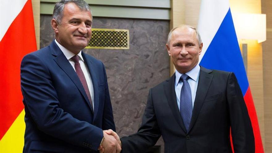 Rusia facilitará obtener la ciudadanía a los habitantes de Osetia del Sur