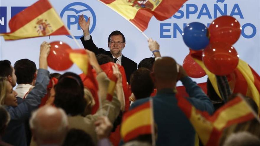 """Rajoy promete consensuar """"con todos"""" el nuevo sistema de financiación de las comunidades"""