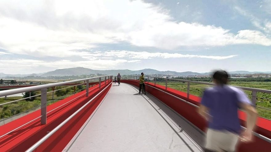 La pasarela peatonal y ciclista Santander-Camargo sobre la A-67 y el tren acabará en primavera