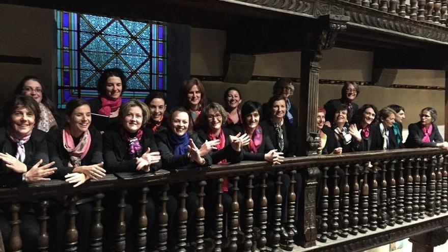 El coro de voces blancas Enara de Bayona ofrece este domingo un concierto en el Fortín de San Bartolomé