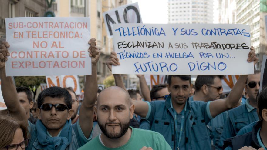 Los técnicos de la subcontrata de Telefónica se manifiestan por sus malas condiciones \ Foto: A. Navarro