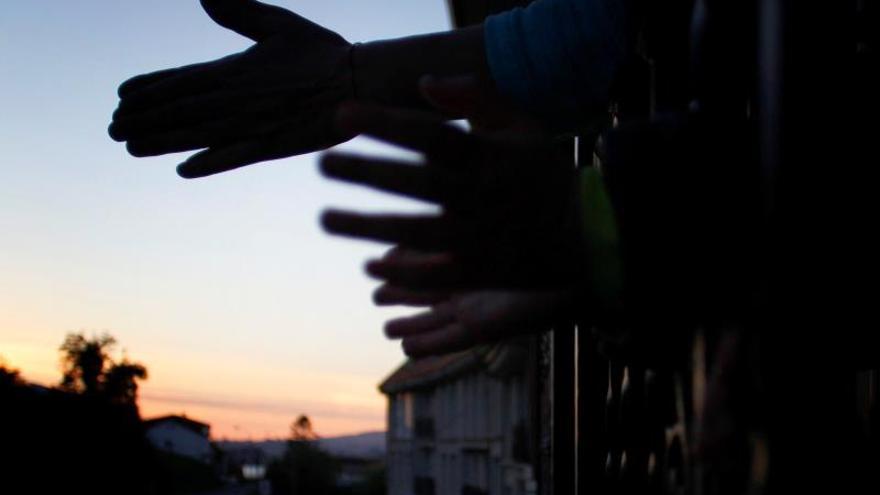 """Resistir a """"Resistiré"""": el himno del encierro inunda las redes con versiones"""