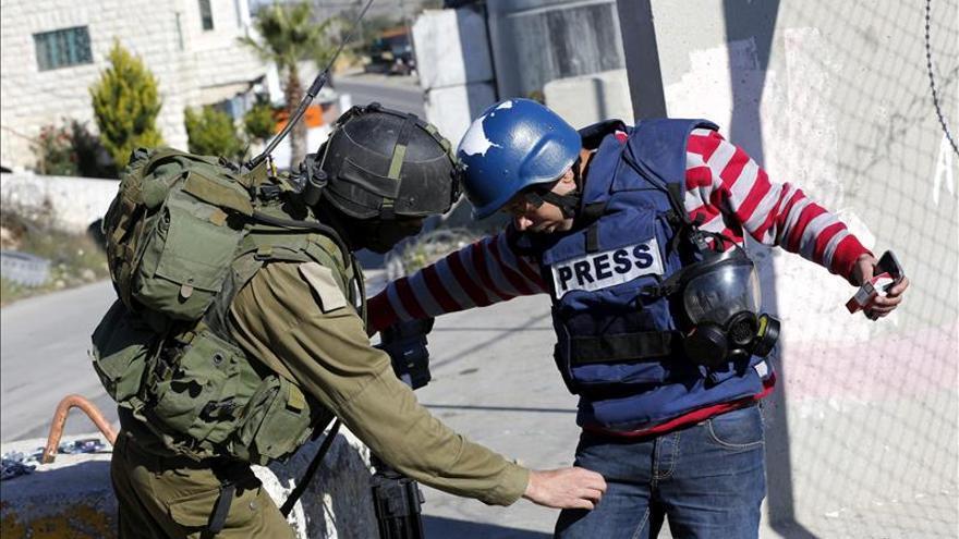 Tres personas heridas en un ataque con un coche y un cuchillo en Jerusalén