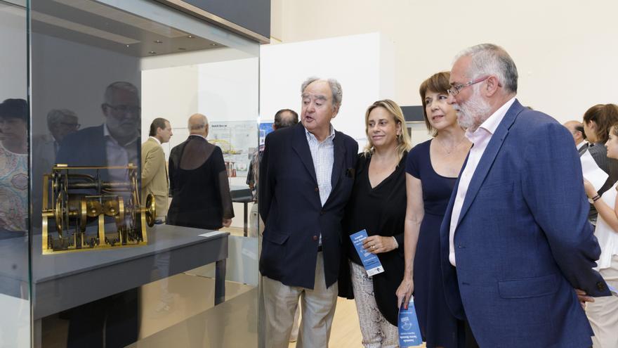 La muestra ha sido inaugurada este lunes por el consejero de Educación, Cultura y Deporte, Ramón Ruiz.
