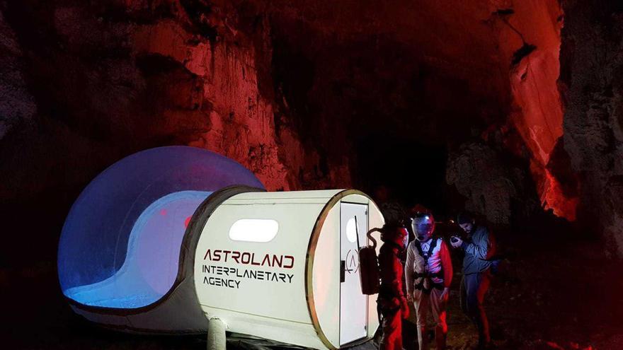 Estación Ares, en el interior de la cueva. | ASTROLAND