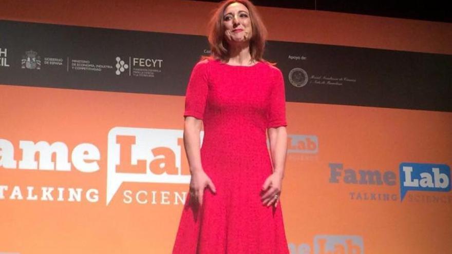 Margarita Sánchez Romero durante su monólogo en semifinales del Famelab