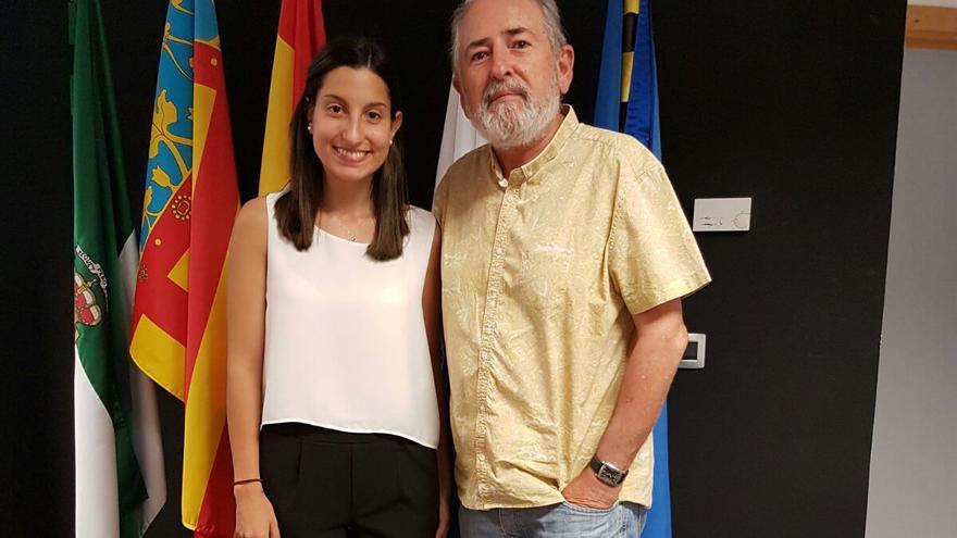 La doctora María Reig con el director de su tesis y ponente de las jornadas José Siles