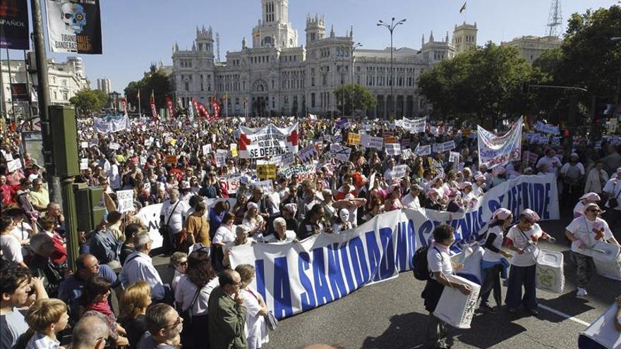 Arranca en Madrid la duodécima 'marea blanca' contra la privatización sanitaria