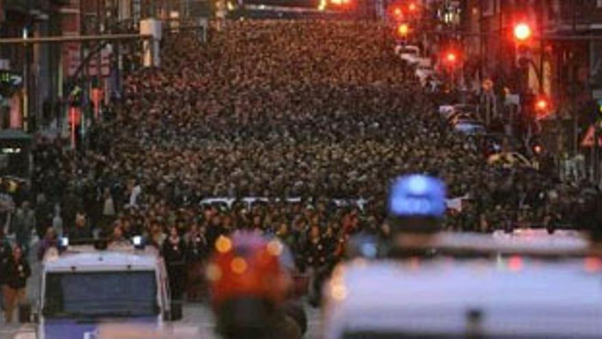 Imagen de la manifestación por las calles de Bilbao. (REUTERS)