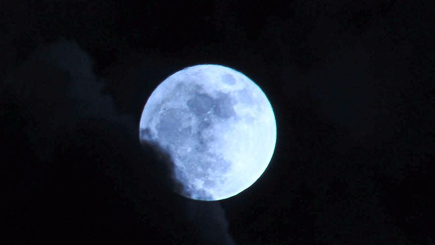 La Superluna desde la Plaza de Las Nieves: FOTO: JOSÉ AYUT.