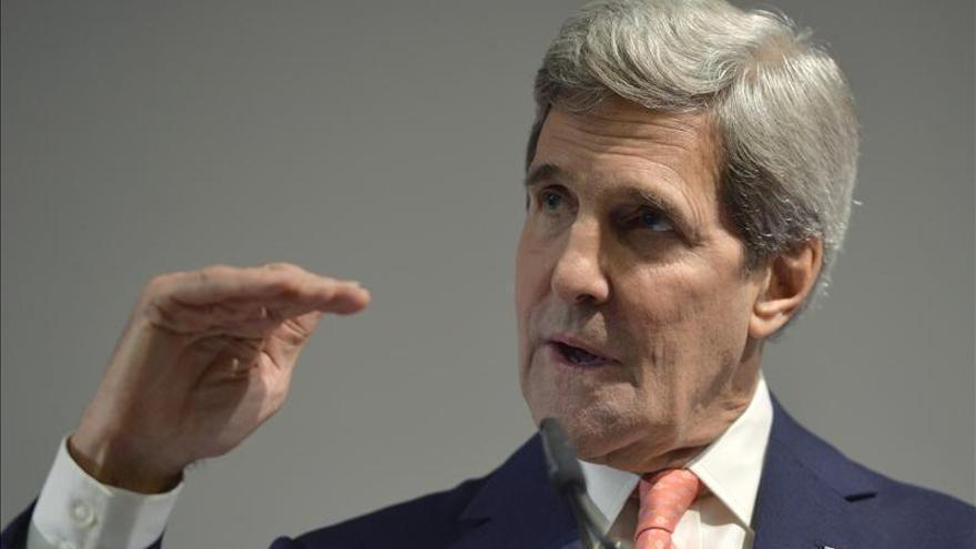 """Kerry dice que EE.UU. no es """"ciego"""" o """"estúpido"""" ante la estrategia negociadora de Irán"""