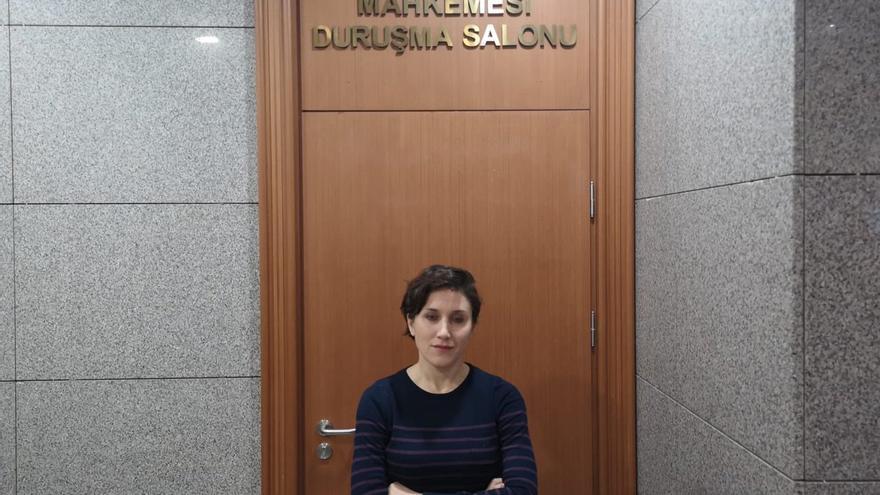 La periodista Pelin Ünker.