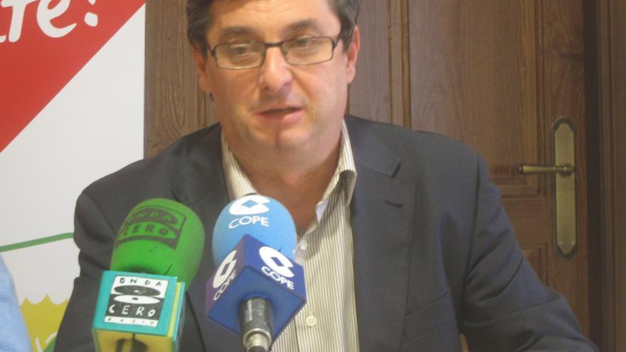 """Centella (IU) ve """"normal"""" que haya tensión con el PSOE en la Junta de Andalucía aunque aboga por que se agote el mandato"""