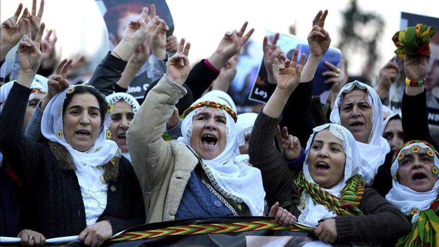 Denuncian abusos diarios de derechos humanos a millones personas en Turquía